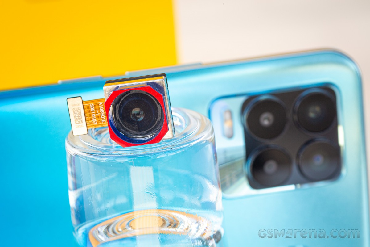 Посмотрите наше видео об основных функциях Realme 8 Pro