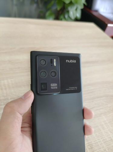 Дизайн nubia Z30 Pro раскрыт перед презентацией 20 мая, вице-президент поделился другими образцами камер