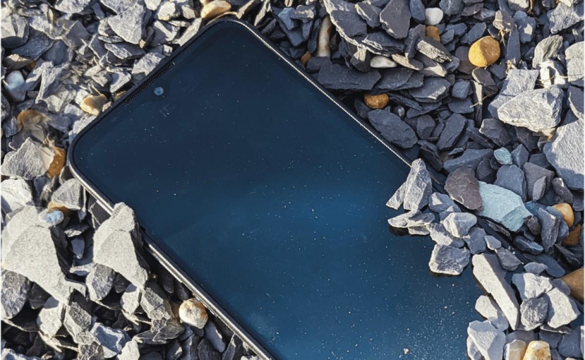 Motorola Defy официально анонсирована с рейтингом IP68 и стеклом Gorilla Glass Victus