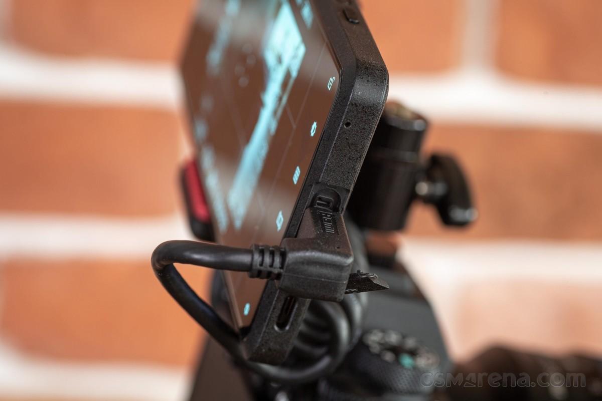 Практическое руководство Sony Xperia Pro - настоящий профессионал или нерешительная попытка создания концепции?
