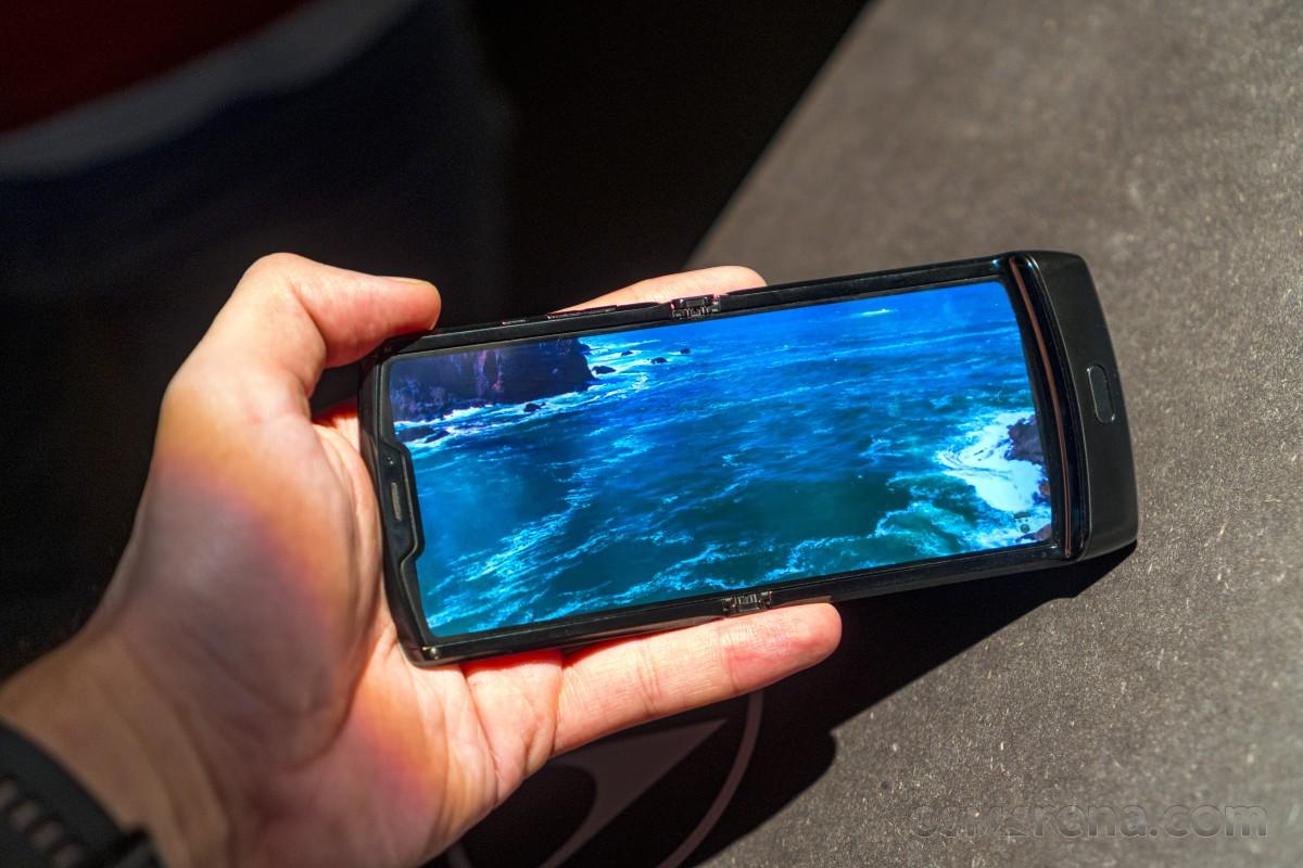 Motorola Razr получает обновление до Android 11