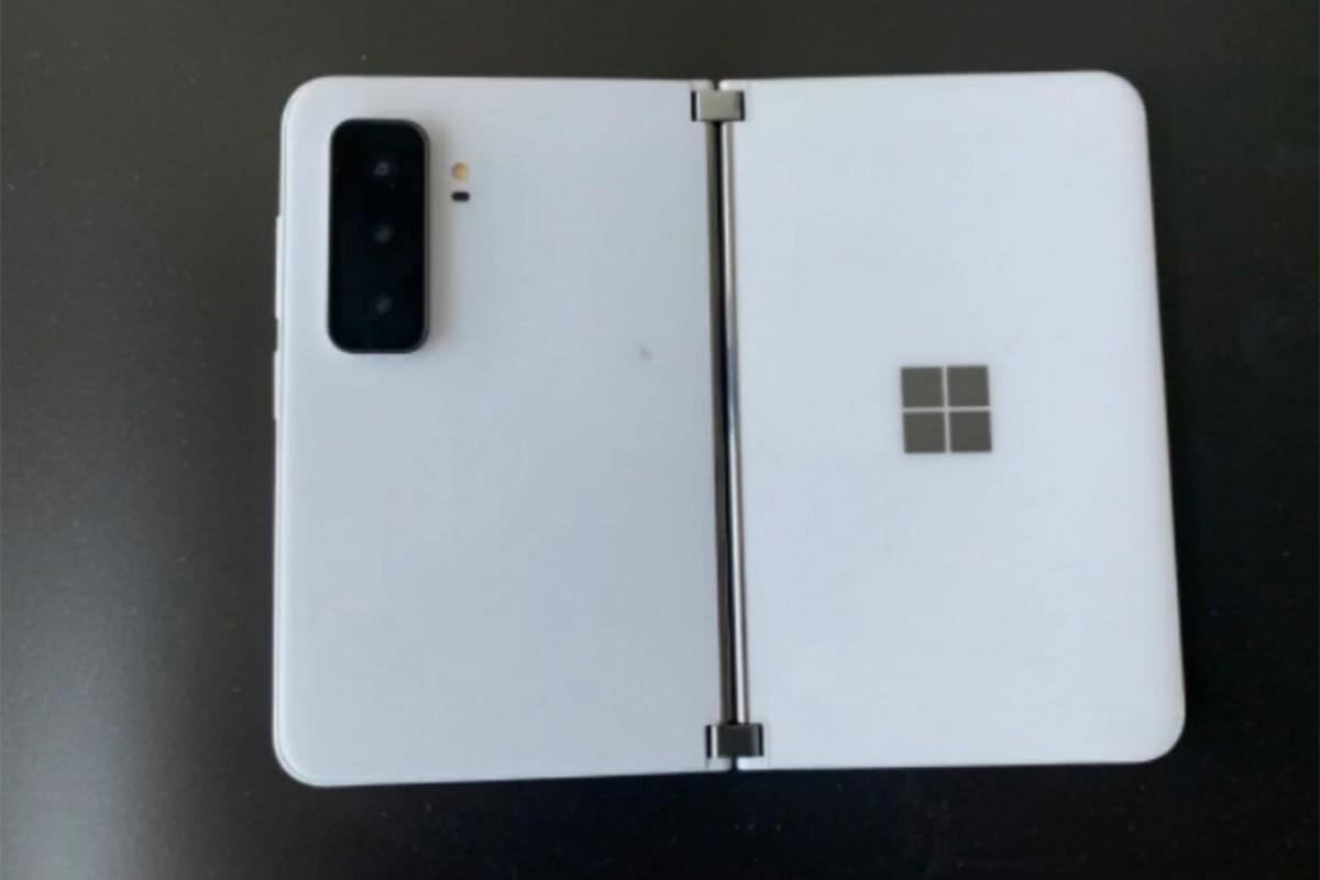 Утечка изображения MIcrosoft Surface Duo 2