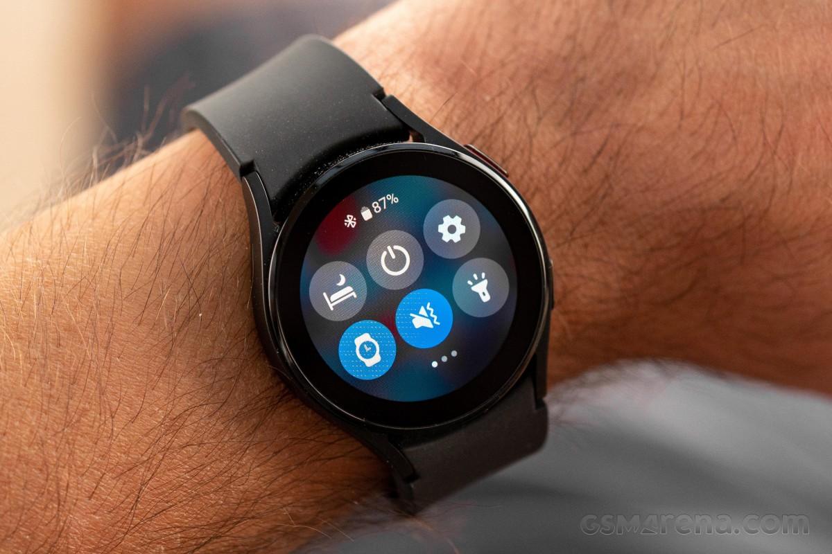 Samsung Galaxy Watch4 получает еще одно обновление с исправлением ошибок